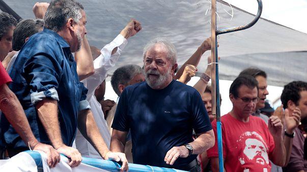L'ex-président brésilien va se rendre à la justice
