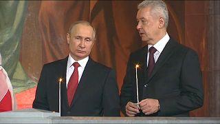 Putin bei Ostergottesdienst