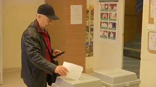 Este 7 óráig lehet szavazni a magyar országgyűlés tagjairól