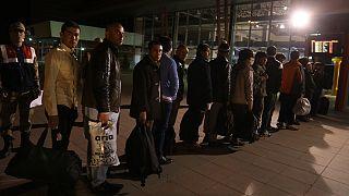 اخراج ۹۰۰ پناهجوی افغان از ترکیه؛ دو گروه به کابل بازگردانده شدند