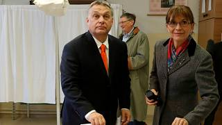Macaristan'daki genel seçimde liderler oylarını kullandı