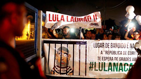 Разгон акции протеста в Куритибе