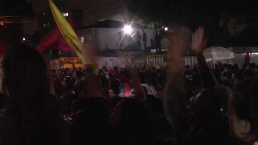 Enfrentamientos entre policía y seguidores de Lula en Curitiba