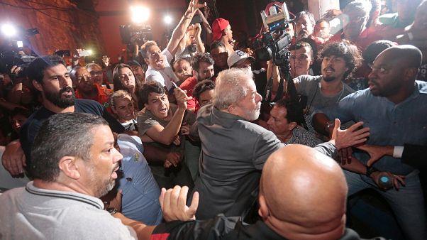 لولا دا سيلفا بين الحشود
