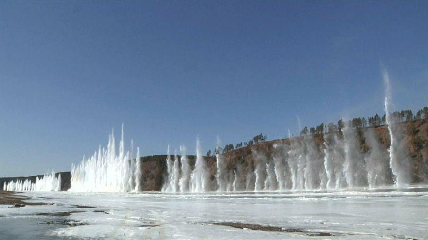 شاهد: تفجير كتل الثلج بطول 5 كلم لنهر آمور في الصين