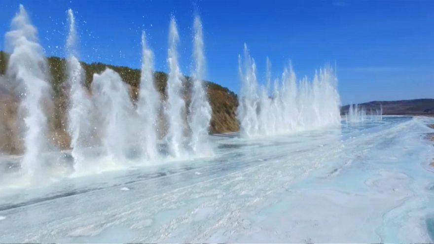 Подрыв льда на Амуре