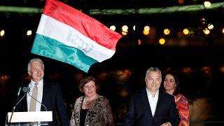 Eleições na Hungria: Viktor Orbán vence e membros da oposição demitem-se