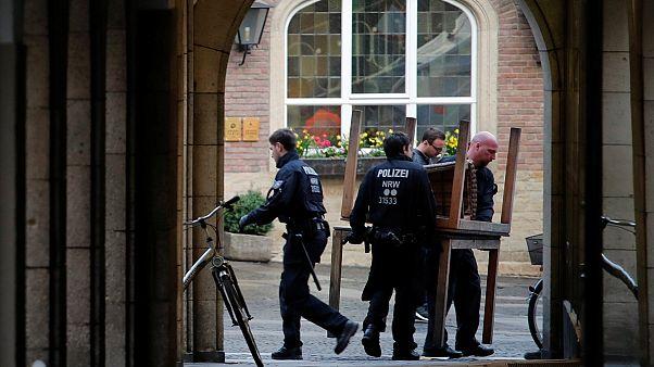 پلیس آلمان: همچنان دنبال انگیزه مهاجم شهر «مونستر» هستیم