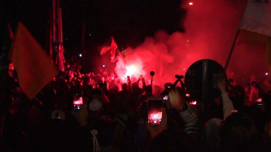 Violentas manifestações depois da prisão de Lula da Silva