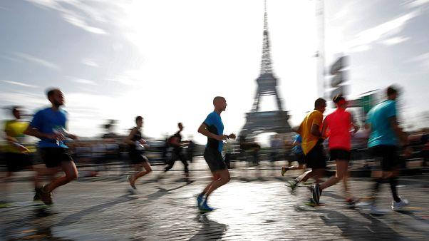 Paris-Marathon: Lonyangata und Saina machen das Rennen