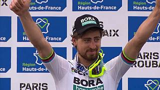 Sagan abrillanta el maillot arcoiris