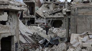 مسلحو المعارضة في سوريا يغادرون دوما