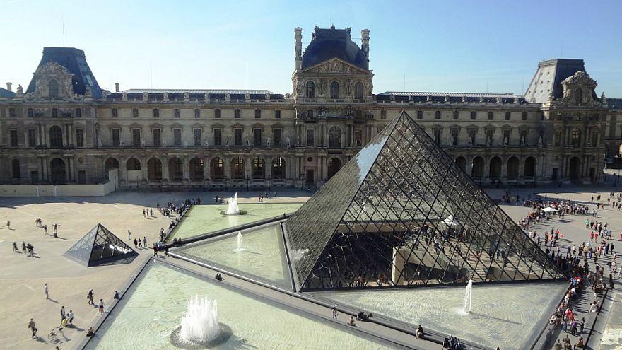زيارة بن سلمان إلى باريس تبدأ بعشاء مع ماكرون في متحف اللوفر