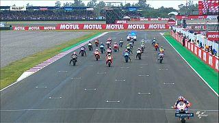 MotoGP böyle yarış görmedi, olaylı Arjantin etabını İngiliz Crutchlow kazandı