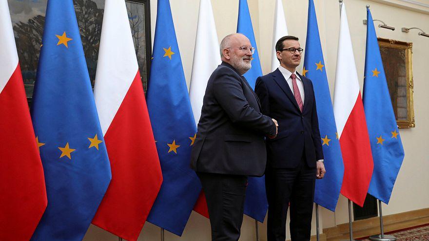 Frans Timmermansi alelnök és Mateusz Morawiecki lengyel kormányfő