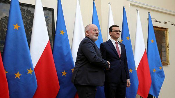 آیا پایان اختلاف لهستان با اتحادیه اروپا بر سر اصلاحات قضایی نزدیک است؟