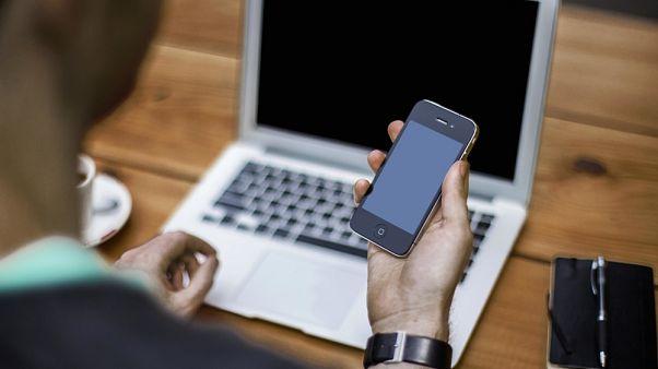 Hollanda: Türkiye'deki telefon ve laptoplardaki veriler kopyalanıyor
