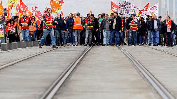 Γαλλία: Νέες απεργίες στο σιδηρόδρομο