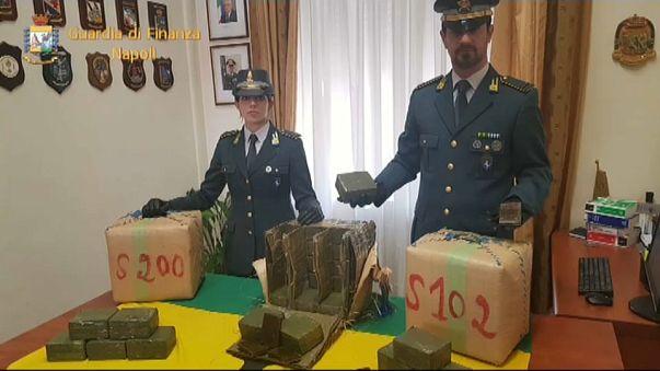 Huit tonnes de hashich saisies à Naples