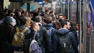 Greve nos comboios franceses vive quarto dia
