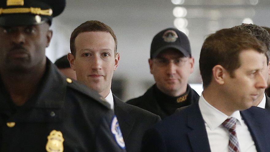 Mark Zuckerberg va devant le Congrès américain.