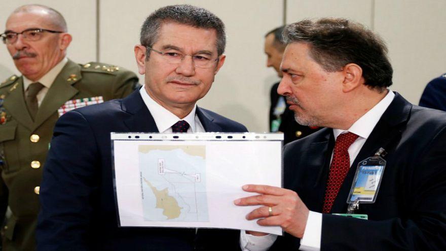 وزير الدفاع التركي: سنواصل الإجراءات في عفرين لحين القضاء على كل المخاطر