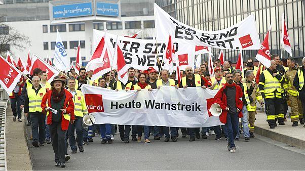 إضرابات في المطارات الأوروبية تشل حركة المسافرين