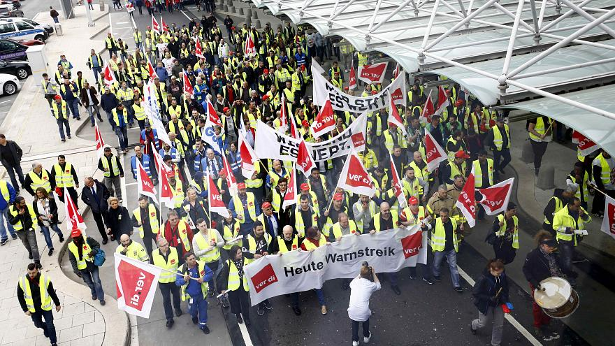 Airport workers strike in Frankfurt