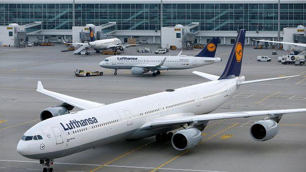Almanya ve Fransa'daki grevler toplu taşıma seferlerini aksattı
