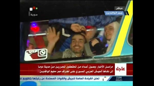 Siria: liberati ostaggi dall'inferno di Douma