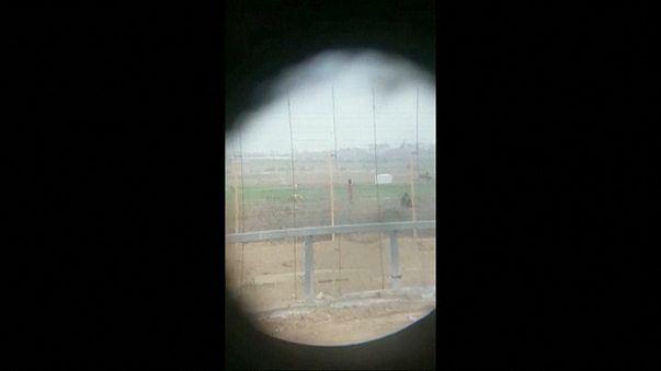 تبرئة جندي إسرائيلي بعد انتشار فيديو له يقنص فلسطينيا أعزلا ويبتهج