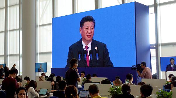 وعده باز کردن درهای اقتصاد و کاهش تعرفه واردات از سوی رئیس جمهوری چین