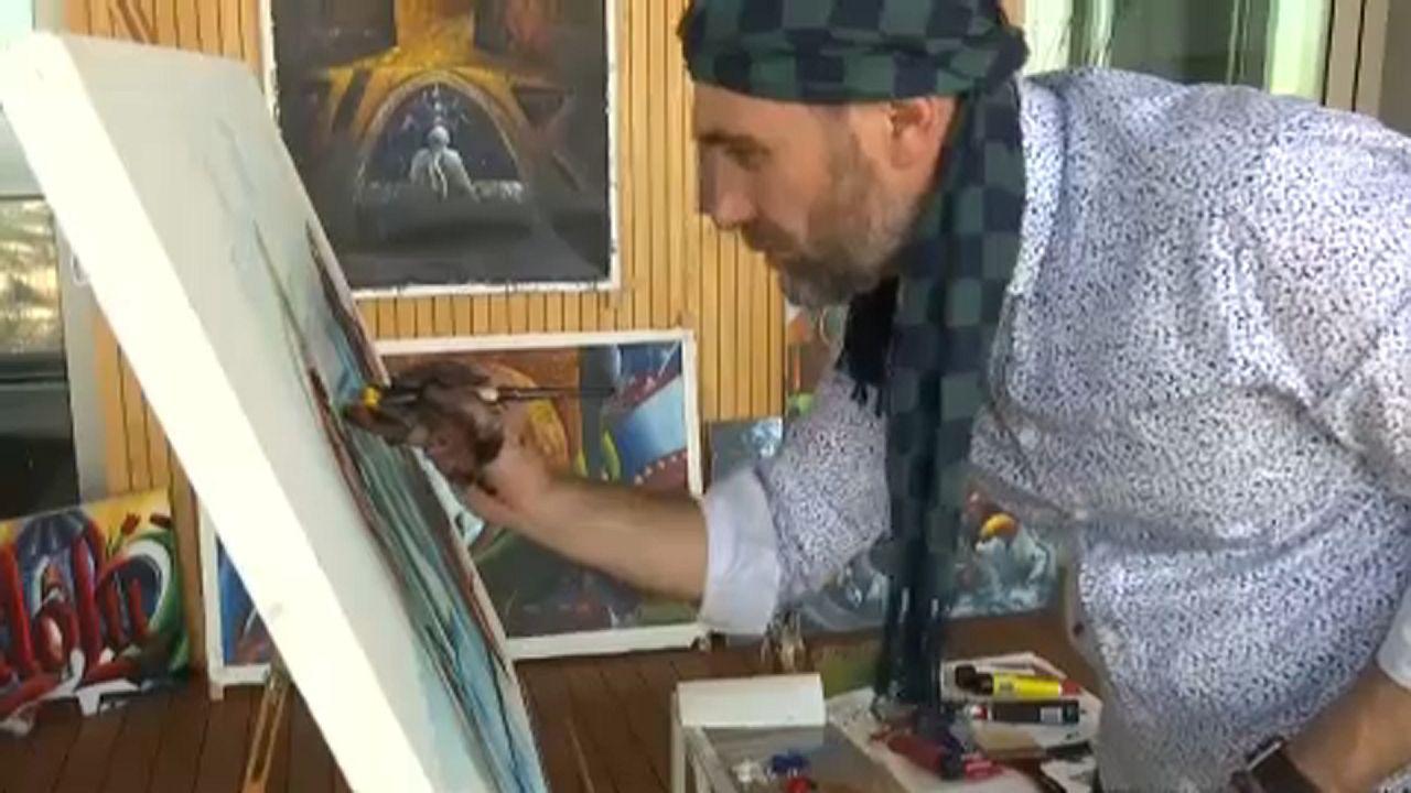 Pisztolytól és egyenruhától a festővászonig