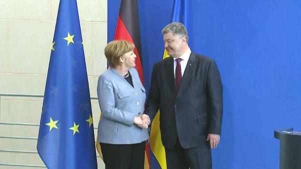 Poroschenko und Merkel wollen UN-Friedensmission für die Ost-Ukraine