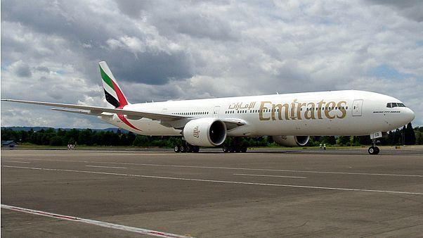 توقيف طائرة إماراتية واحتجاز حمولتها من الأموال بالصومال