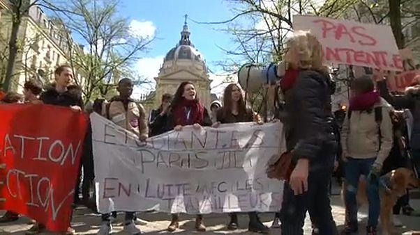 Az elitista reform miatt tüntetnek a francia diákok
