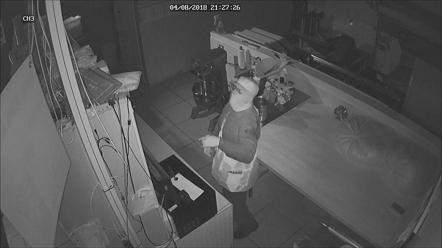 Florida Doughnut Shop Burglar Hits Head, Forgets to Take Register