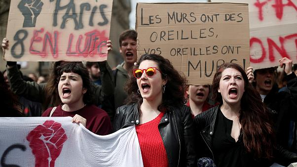 Γαλλία: Και φοιτητές στους δρόμους
