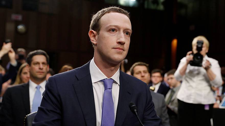 "Zuckerberg faz ""mea culpa"" no Senado"