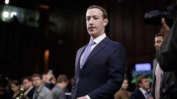 Δημόσια απολογία ενώπιον της Γερουσίας από τον ιδρυτή του Facebook