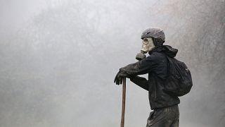 """Francia: guerriglia tra polizia e """"zadisti"""""""
