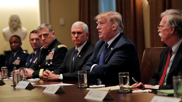ΗΠΑ: Ο Πρόεδρος Τραμπ «ζυγίζει» τις επιλογές του για τη Συρία