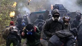 Νέες συγκρούσεις καταληψιών - αστυνομίας
