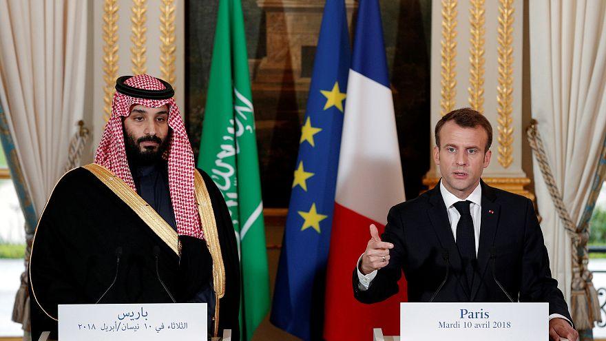 ماكرون يلعب على الحبلين في ميزان بيع الأسلحة للسعودية والوضع الإنساني في اليمن