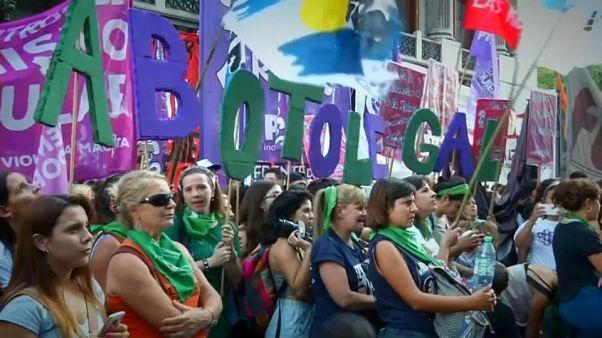 Argentina inicia el debate sobre la despenalización del aborto