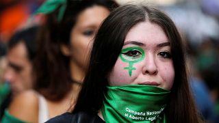 Dürfen Argentinierinnen bald legal abtreiben?