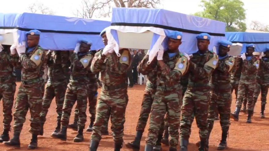 Mali : hommage aux derniers casques bleus tombés