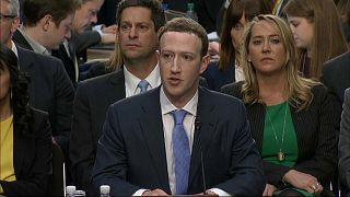 Zuckerberg senatörlerin karşısında ter döktü