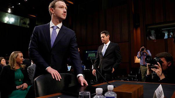 Facebook: Η Γουόλ Στριτ «ψήφισε» Ζάκερμπεργκ