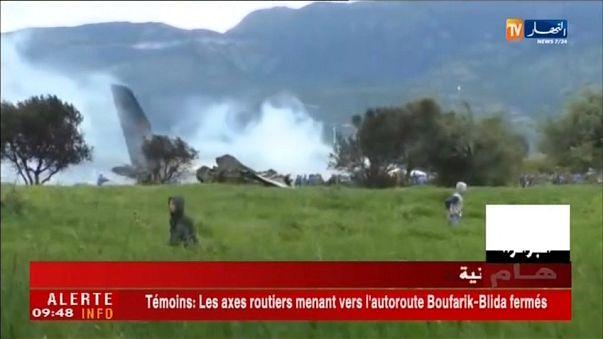 Acidente com avião militar provoca mais de 250 mortos
